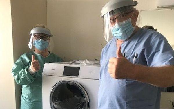 Firma Haier przekazała placówkom medycznym pralko-suszarki