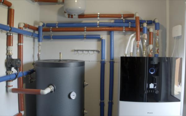 Powietrzna czy gruntowa pompa ciepła, które urządzenie wybrać do domu jednorodzinnego?